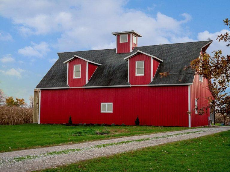 The Red Barn Loft Bed & Breakfast